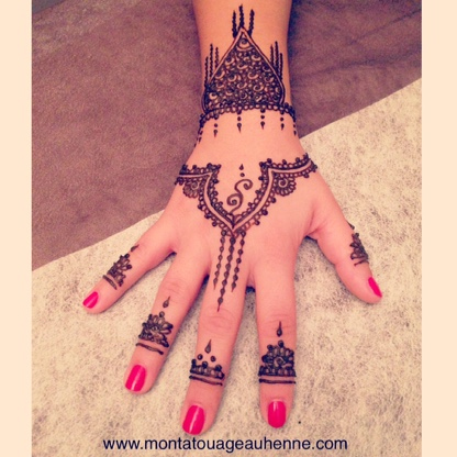 tatouage au henné naturel