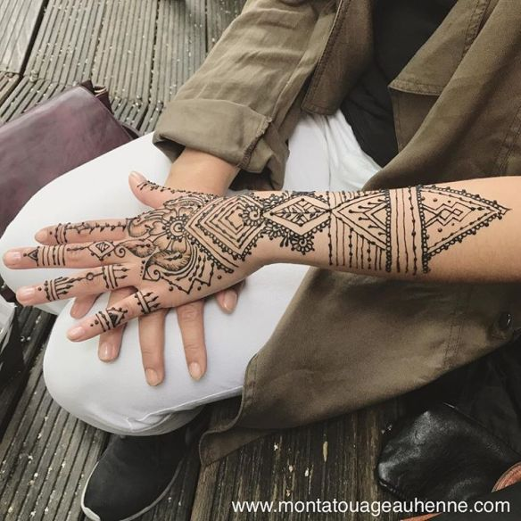 instagram-mon-tatouage-henne-mains-paris-sevran.jpg