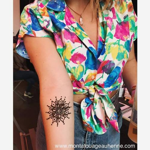 stand-tatouage-henne-naturel-montreuil-labellefabrique.jpg
